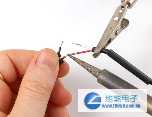 通过更换铝板来实现机械充电_充电宝电池连接图,充电宝电池接线图;